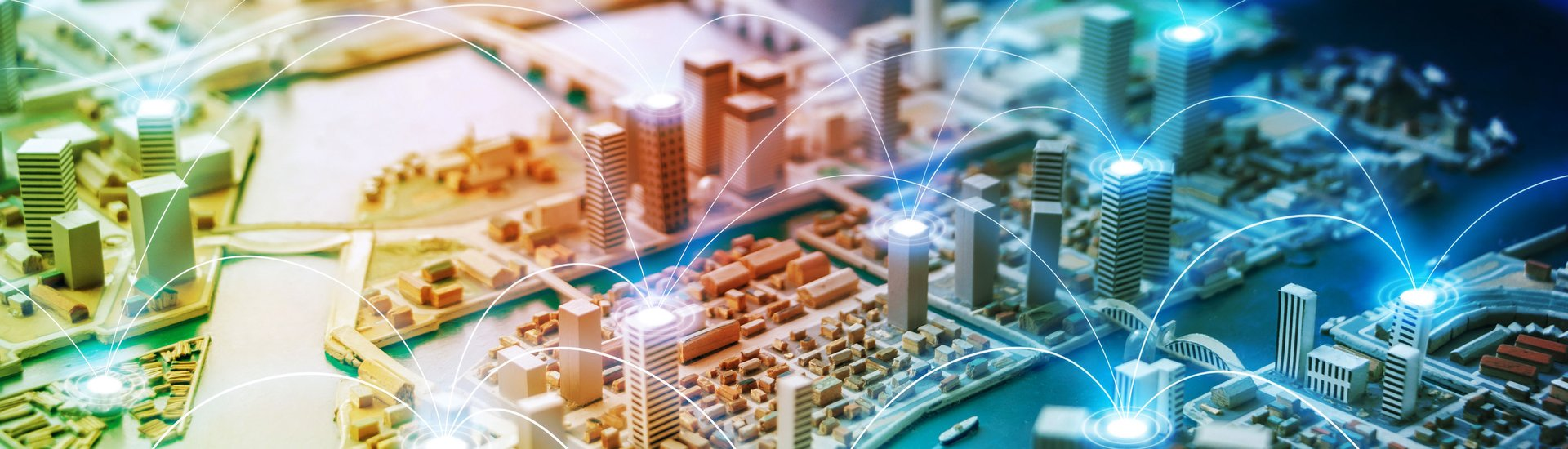 Smart city and communication network concept, © istock.com/metamorworks